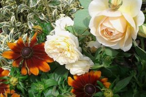 róże kompozycje kraków